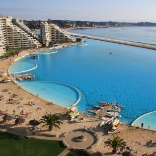 Fancy a swim? 10 amazing pools that will seduce you Fancy a swim? 10 amazing pools that will seduce you Amazing pools San Alfonso del Mar Resort1 310x310