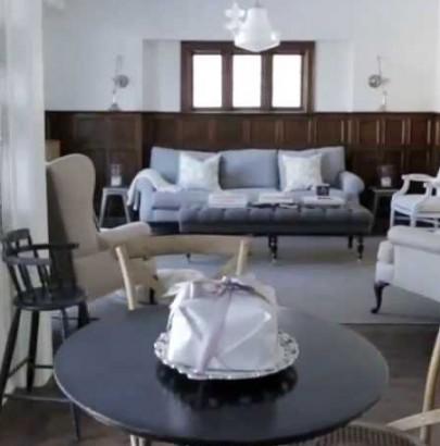 """Modern Century Home"" Amazing Modern Century Home in Toronto Amazing Modern Century Home in Toronto maxresdefault 1 405x410"