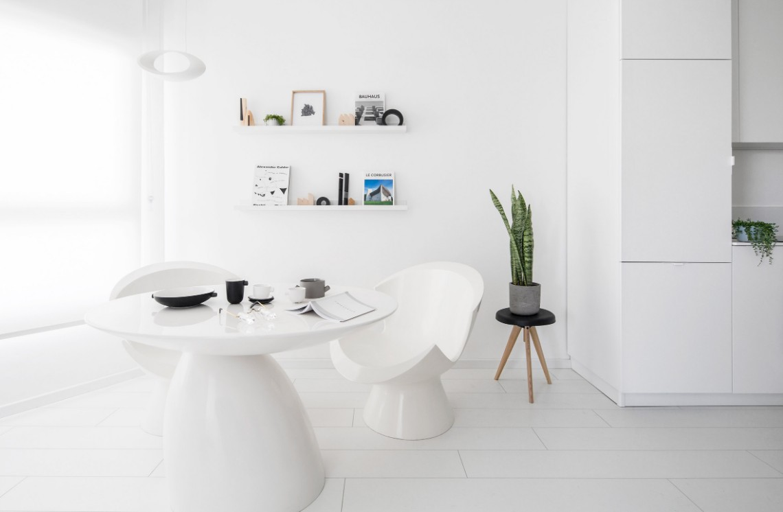 Tel Aviv Small Apartment In An All-White Colour Palette small apartment Tel Aviv Small Apartment In An All-White Colour Palette Tel Aviv Small Apartment In An All White Colour Palette