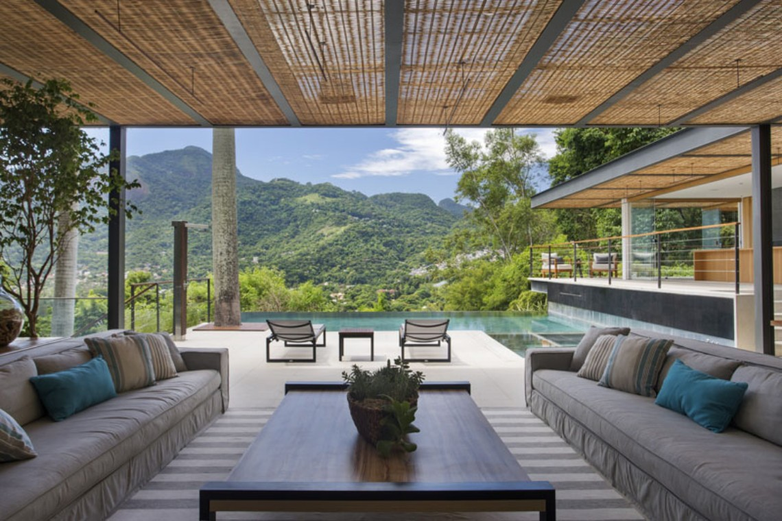 Fascinating Modern Pool House in the Mountains modern pool house Fascinating Modern Pool House in the Mountains featured