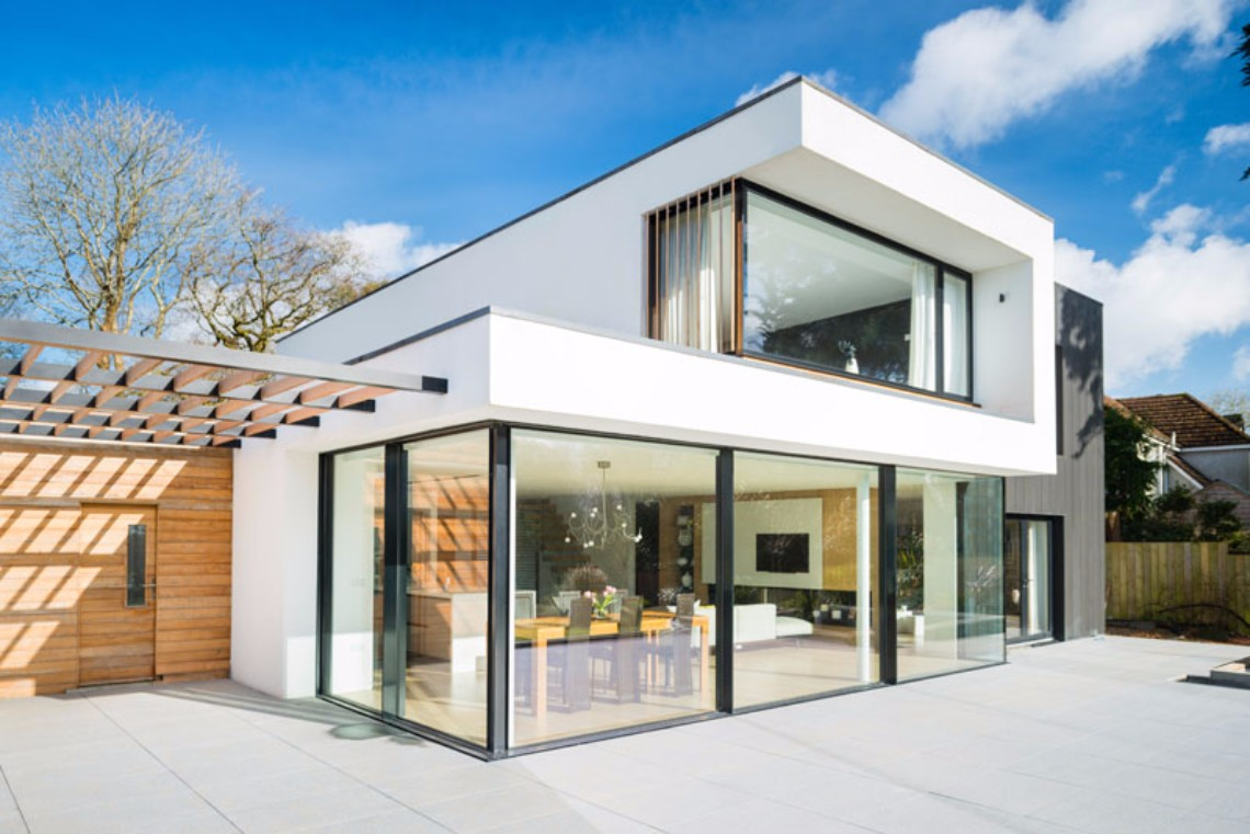 Around the World: Meet This Modern White House in England modern white house Around the World: Meet This Modern White House in England Around the World Meet This Modern White House in England 4 1