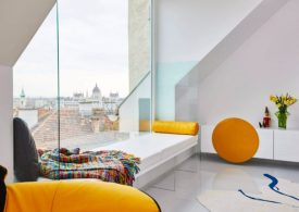 Colorful Apartment in the Heart of Budapest Colorful Apartment Colorful Apartment in the Heart of Budapest Colorful Apartment in the Heart of Budapest 6 275x195