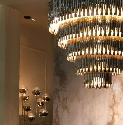 10 Lighting Ideas for a Glamorous Bathroom glamorous bathroom 10 Lighting Ideas for a Glamorous Bathroom Maison Valentina at Maison Objet 1 405x410