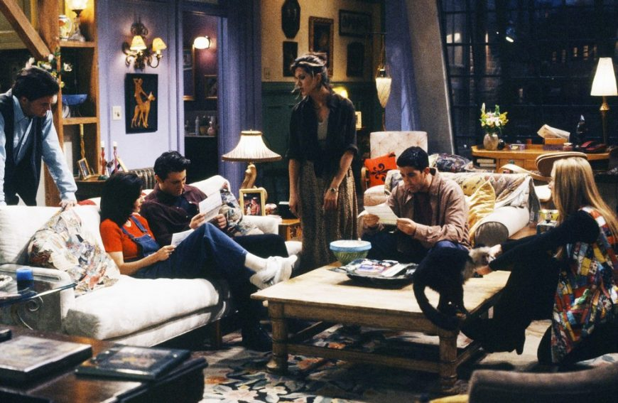 Friends: How To Recreate Manhattan's Most Famous Apartment 1 16 870x567