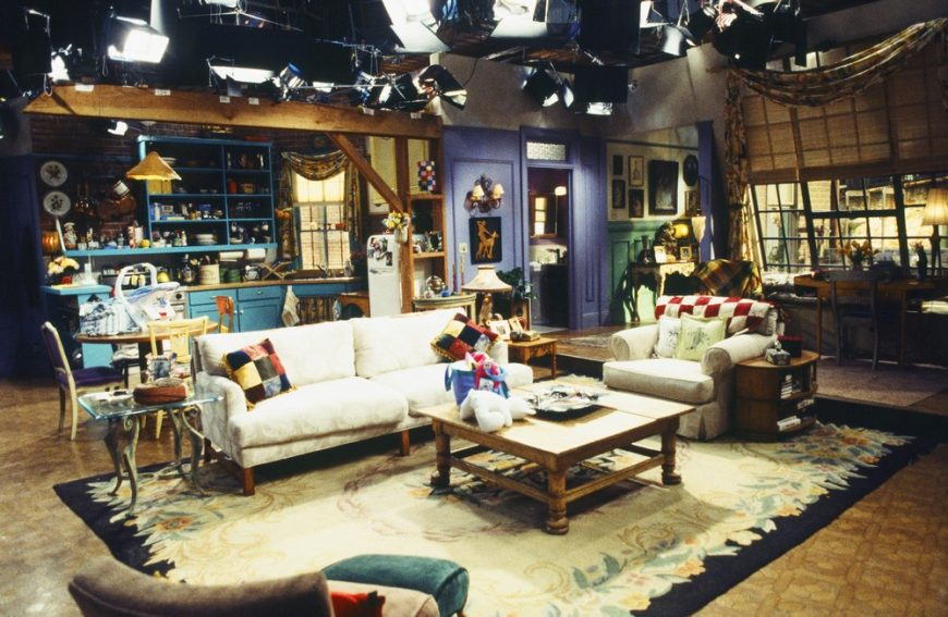 Friends: How To Recreate Manhattan's Most Famous Apartment 2 12 870x567